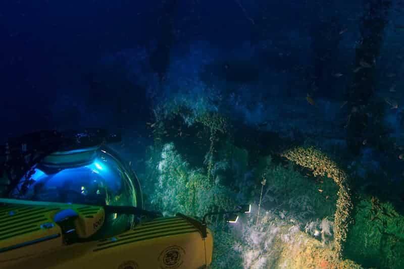 Experiencia Para Conocer El Fondo Del Océano Con Un Yate De Lujo