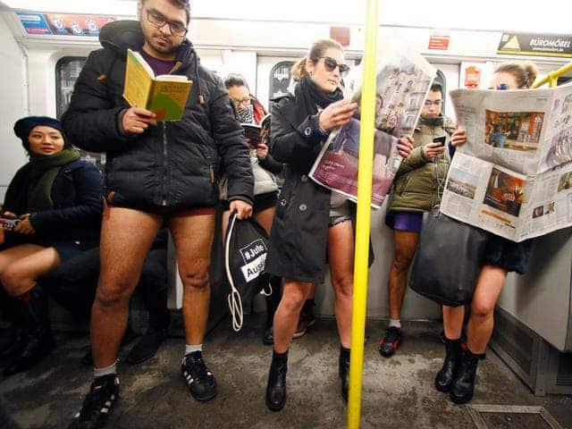 Tradición En Nueva York Subte Sin Pantalones
