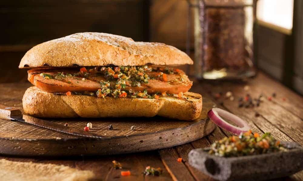 10 curiosidades sobre el choripán, el famoso sándwich argentino que se posiciona entre los mejores del mundo