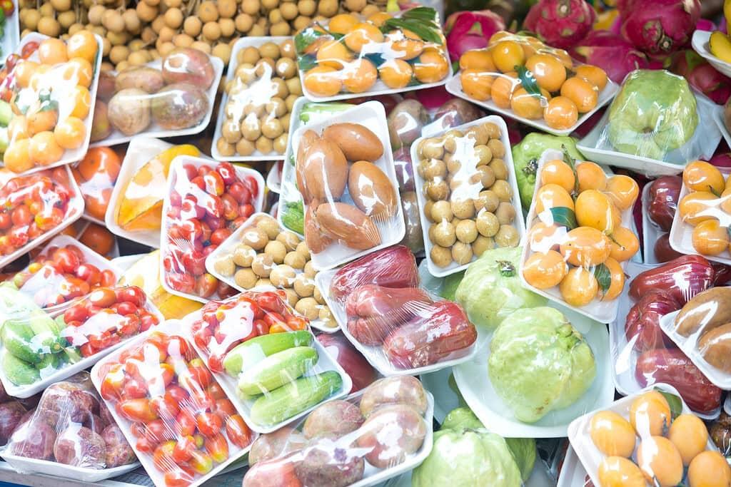 España Buscará Prohibir La Venta De Fruta Y Verduras En Envases De Plástico A Partir De 2023
