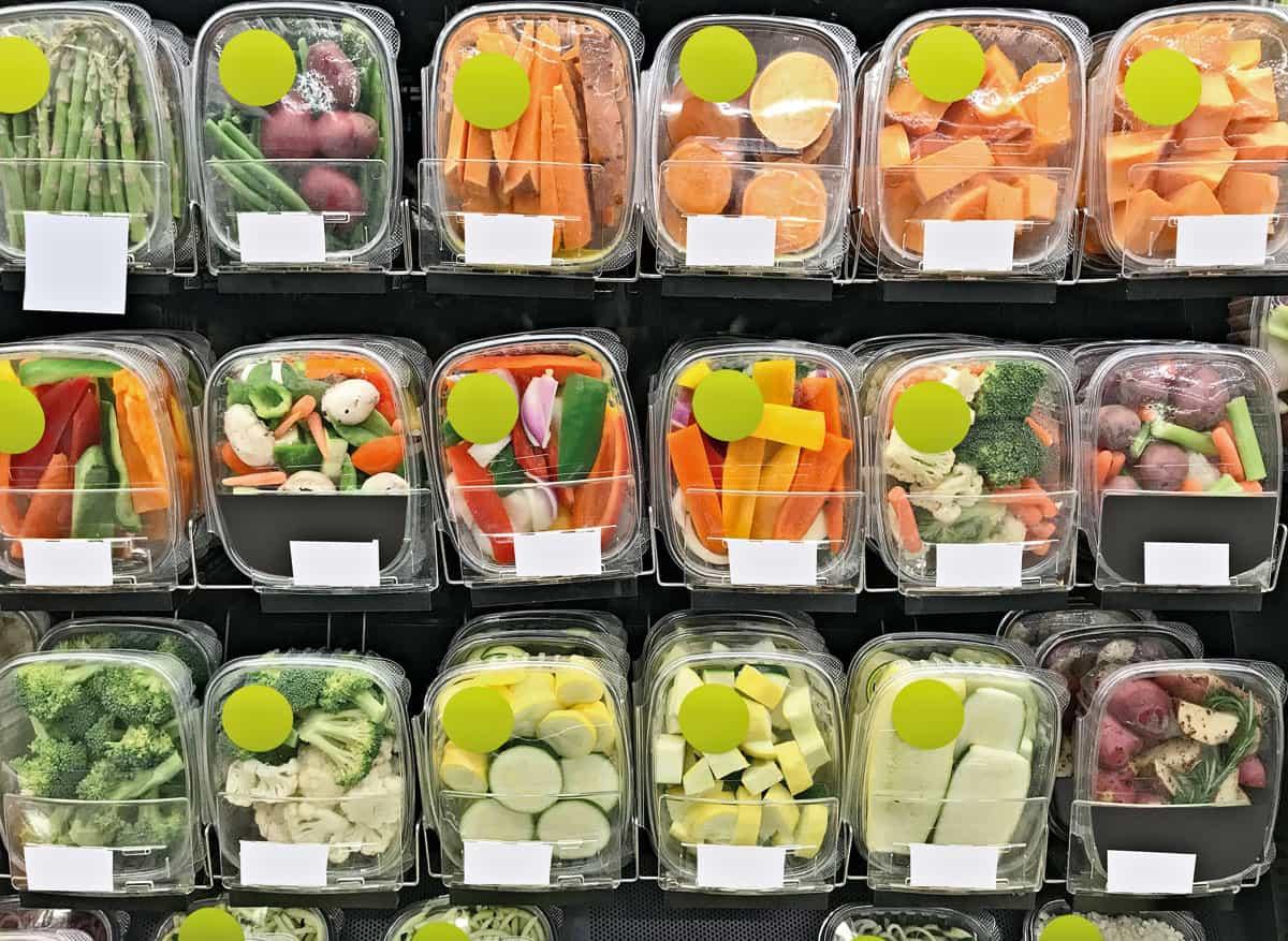 España buscará prohibir la venta de fruta y verduras en envases de plástico a partir de 2023-4