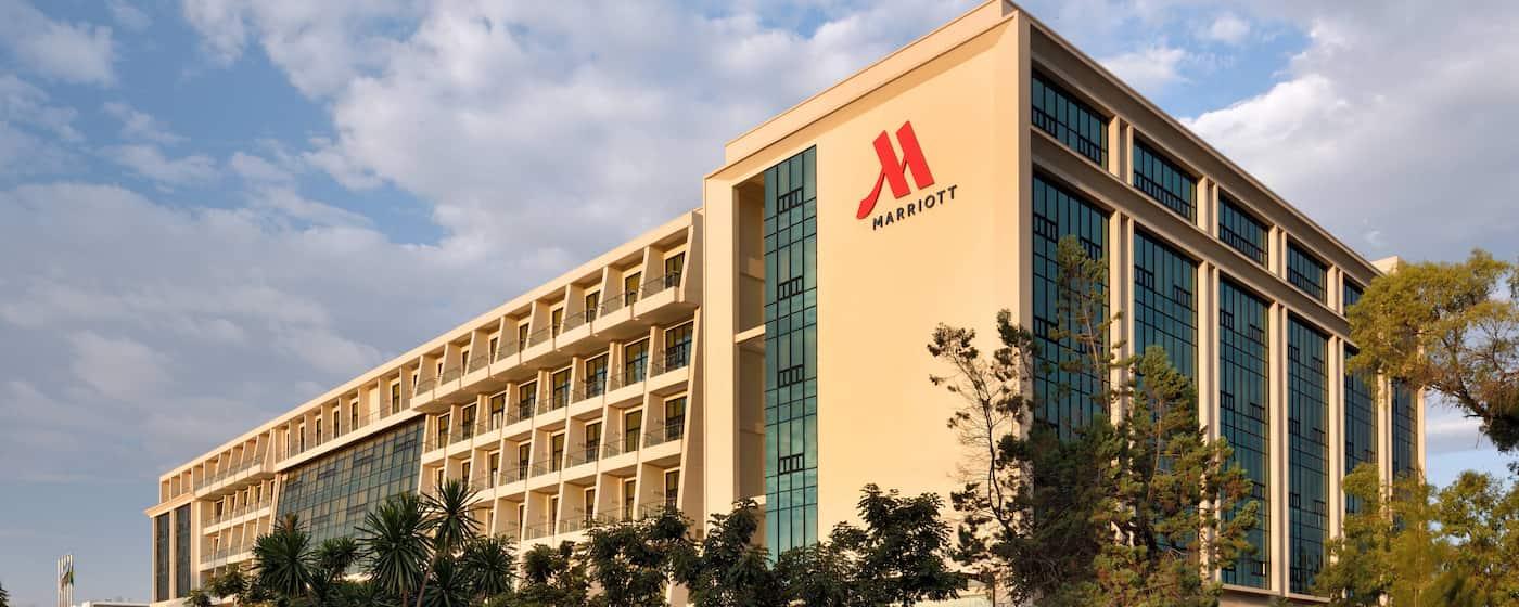 La cadena de hoteles Marriott se compromete a tener emisiones netas cero para 2050