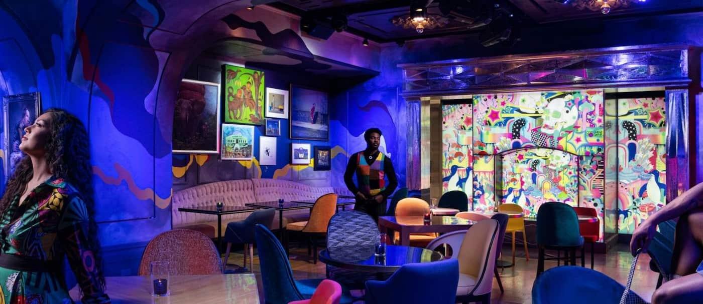 Un nuevo restaurante lleno de arte y con un menú psicodélico abrió en Las Vegas
