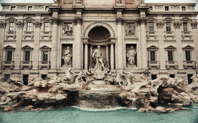 Fontana De Trevi - Detalles