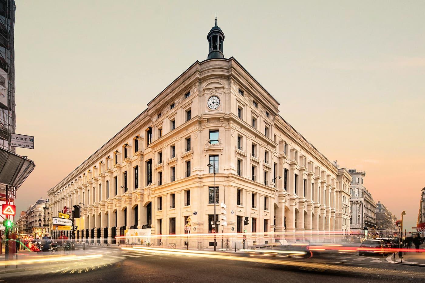 El nuevo hotel que estará en el edificio de la antigua oficina de correos del Louvre ya tiene fecha de apertura