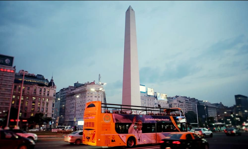 Vuelve a funcionar el bus turístico de la Ciudad de Buenos Aires todo lo que tienes que saber