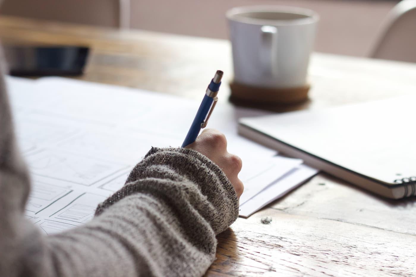 En Inglaterra será ilegal la venta de ensayos académicos a estudiantes