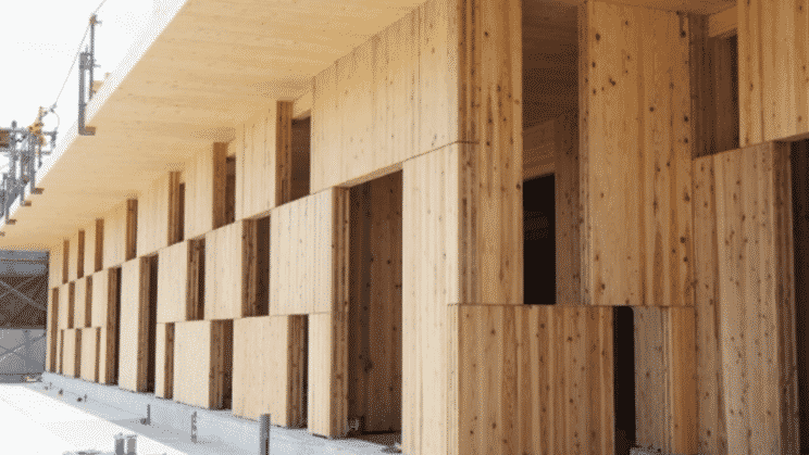 Ingenieros japoneses construyen un muro de bloques resistente a los terremotos