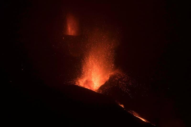 Cierran Aeropuerto De La Palma Por Cenizas Del Volcán